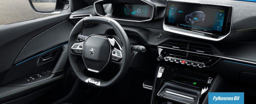Peugeot e-2008 interiør. Prøv bilen hos Fylkesnes Bil.